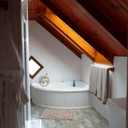 African Attic 2 bedroom self catering apartment main bathroom